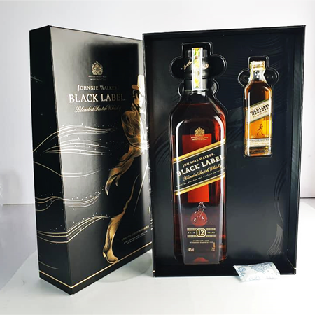 JOHNNIE WALKER BLACK HỘP QUÀ 2019